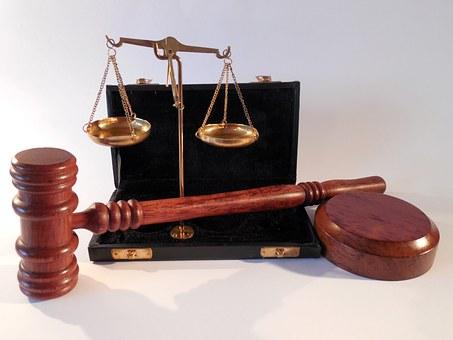 rechter, uitspraak